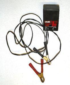 Chargeur pour batterie de moto